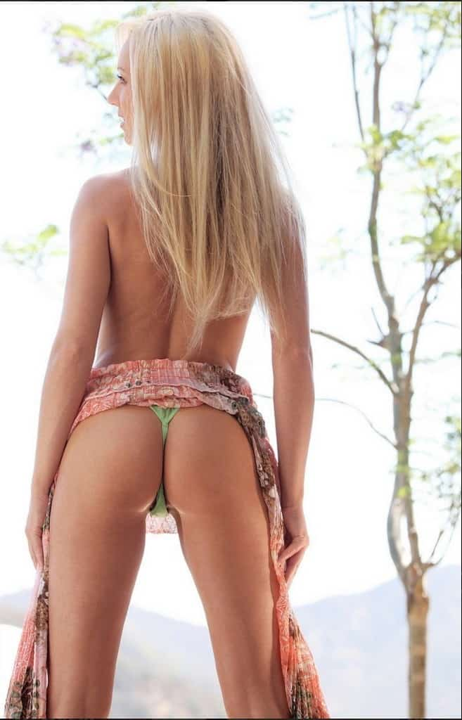 Laura Facing Away Showing Her Butt